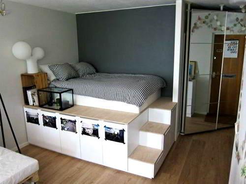 camera con letto rialzato