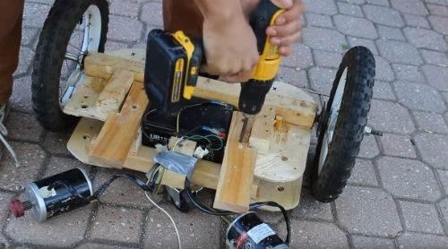 hoverboard fatto con il legno