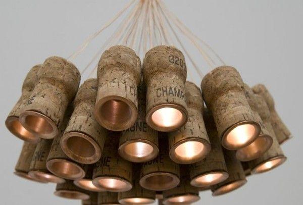 lampada con tappi di sughero