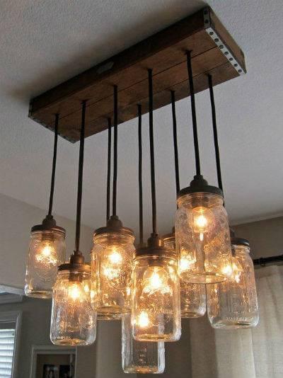 riciclo barattoli lampadario legno