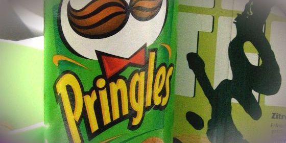 Tubi delle Pringles, riciclo creativo