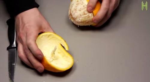Candela ricavata da un'arancia